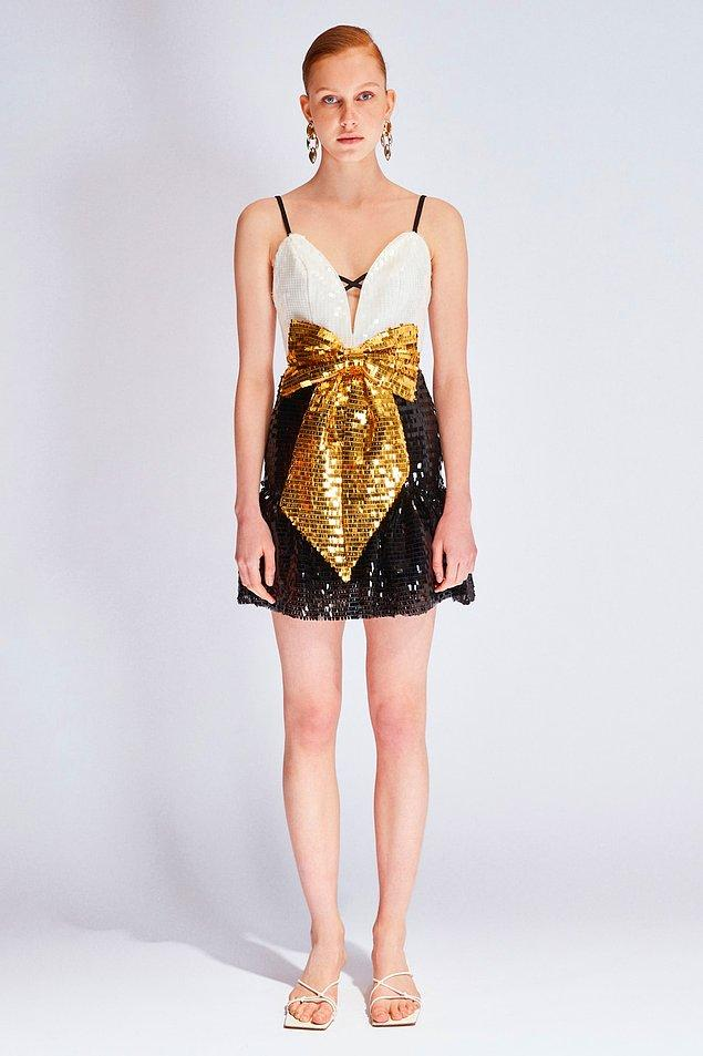 6. Fiyonk detaylı payetli elbise minyon genç kızlarımıza çok yakışacak...