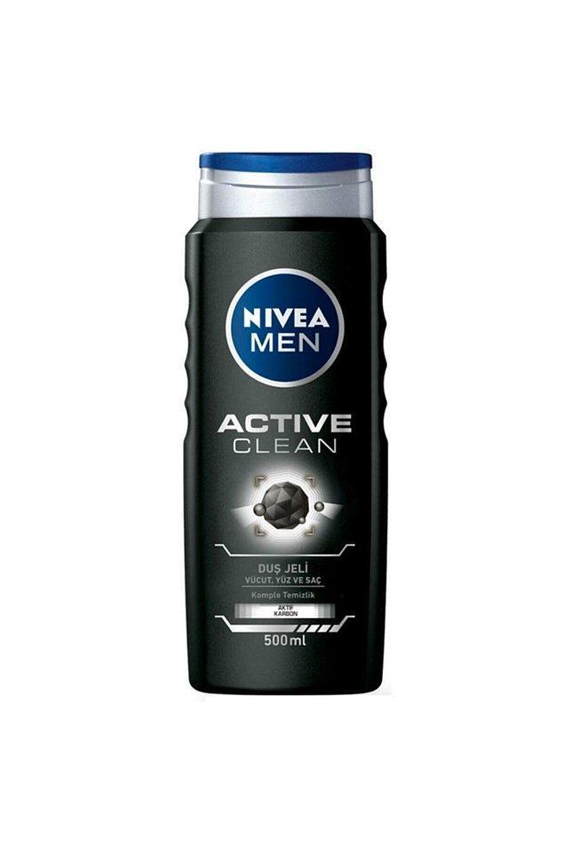 14. Muhteşem kokusu ve içeriğindeki doğal aktif karbon içeren yenilikçi formülü sayesinde güçlü temizleme etkisi ile beylerin tercihi Nivea duş jeli olmuş.