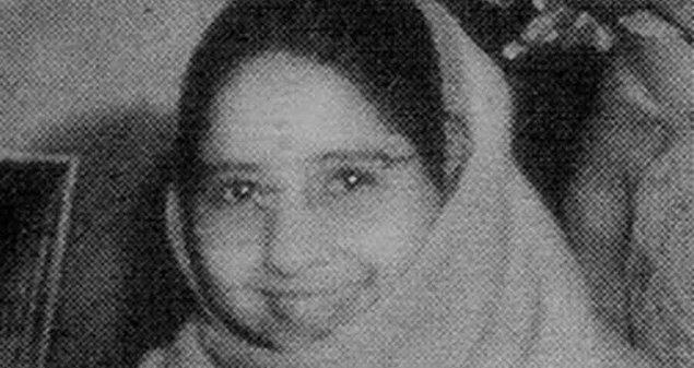 Devi, önceki hayatındaki isminin Lugdi olduğunu ve 1925 yılının Ekim ayında bir erkek çocuk doğurduktan kısa süre sonra vefat ettiğini iddia etmiş.
