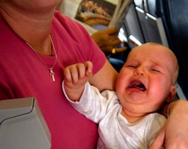 """17. """"Yönetici pozisyonu için adaylarla mülakat yapıyordum. Bir kadın görüşmeye bebeğiyle gelmişti. Olabilir, birine bırakamamıştır dedim. Bebek huysuzdu, sürekli ağlıyordu."""""""