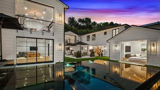 Kendisi geçtiğimiz sene 13.8 milyon dolara aldığı Beverly Hills'deki evini şu sıralar kiraya veriyormuş!