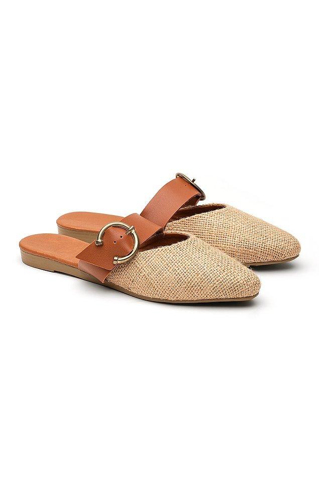 10. Yere mümkün olduğunca yakın olmaktan hoşlananlar buraya! Topuksuz şık ayakkabı arayanlar için çok zarif bir model.