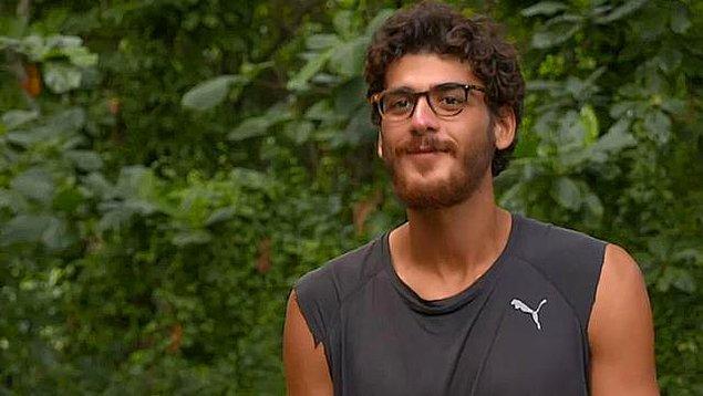 8. Survivor'ın sevilen yarışmacılarından Yiğit Poyraz'ın Exxen'deki yeni bir projede oyunculuğa adım atacağı iddia edildi.