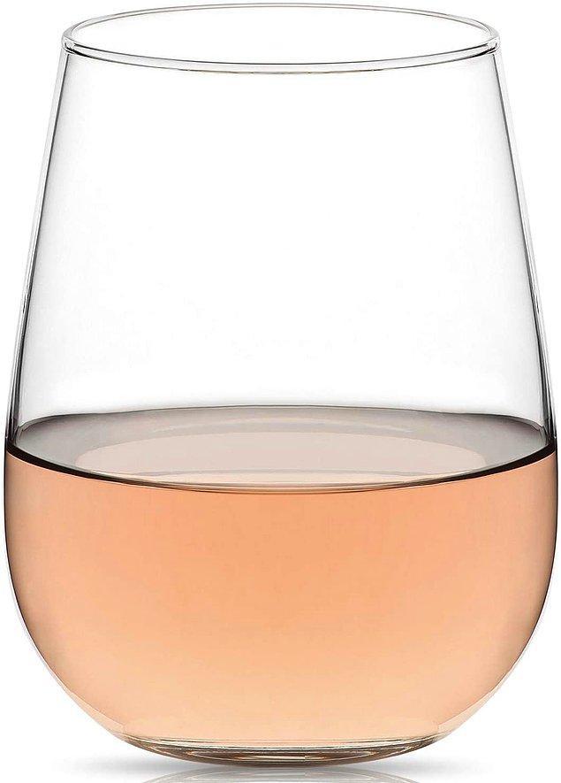 16. Lav 6'lı su bardağı setini modern bir şarap bardağı olarak da değerlendirebilirsiniz.