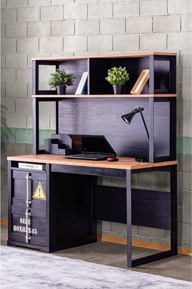 6. Odasında siyah renkten hoşlananlar için çok cool bir çalışma masası ile devam edelim.