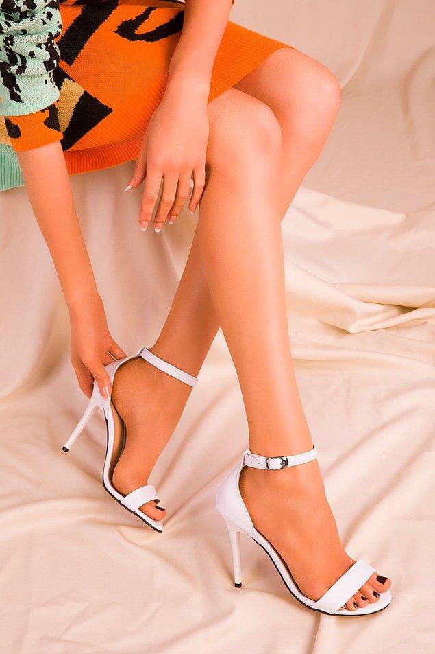 1. Düğün mevsimi bitmeden bir topuklu ayakkabı daha alın.