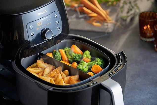 12. Evde sık sık yemek pişiren biriyseniz alınacak ev aletleri listenize girmesi gereken bir şey var: airfryer!