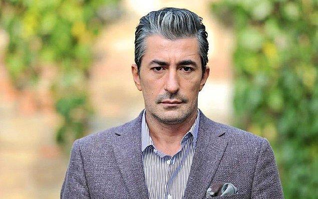 4. Ünlü oyuncu Erkan Petekkaya, Kerimcan Durmaz'ın ödül aldığı gece yaptığı paylaşımla epey tepki toplamıştı hatırlarsanız. Muhabirlerin kendisine Acun Ilıcalı ile ilgili soru sormasına sinirlenen Petekkaya, 'O mikrofonu alıp sana ne yaparım biliyor musun?' dedi.