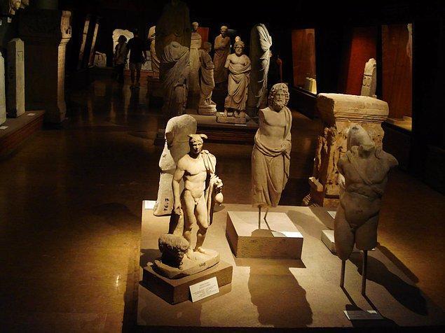 6. Müzeleri ve antik kentleri doyasıya gezmek