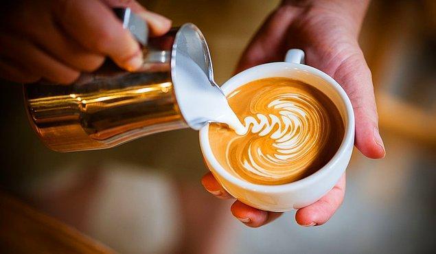 17. Kahveye eklenen her damla süt kafein miktarını göreli olarak azaltıyor.
