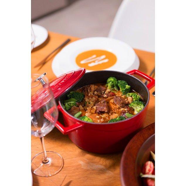 5. En lezzetli yemekler onunla pişiyor... Karşınızda Lava döküm tencere! 😍