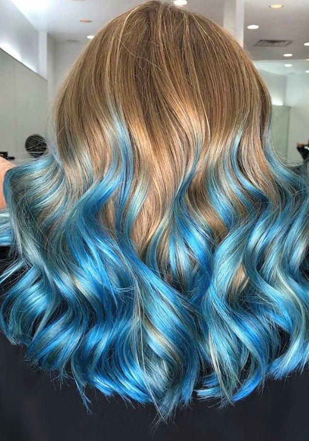 1. Saç tebeşiri ile saçlarınızı çok kısa sürede istediğiniz renge boyayabilirsiniz.  💙