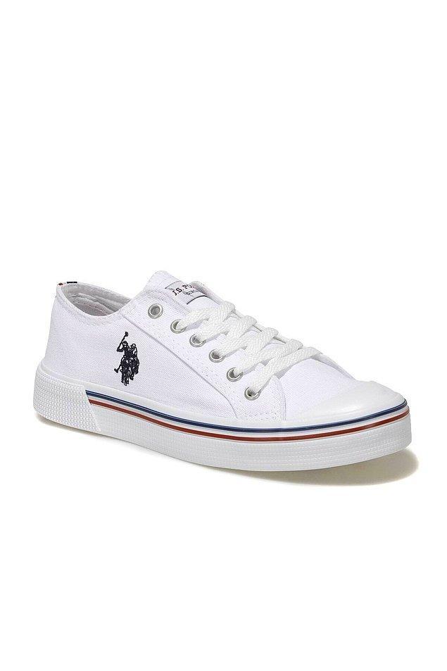 4. Beyaz sneaker yazın habercisi adeta.