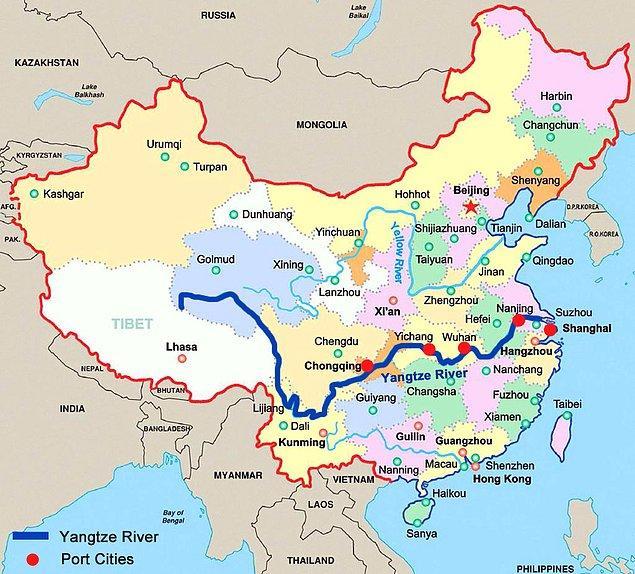 Büyük felaket, Nil ve Amazon'dan sonra dünyanın en uzun ırmağı olan Yangtze Nehri'nin taşmasıyla yaşandı.