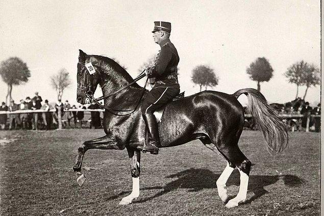 1932: gümüş madalya kazanan İsveçli yarışmacı son sıraya düşürüldü.
