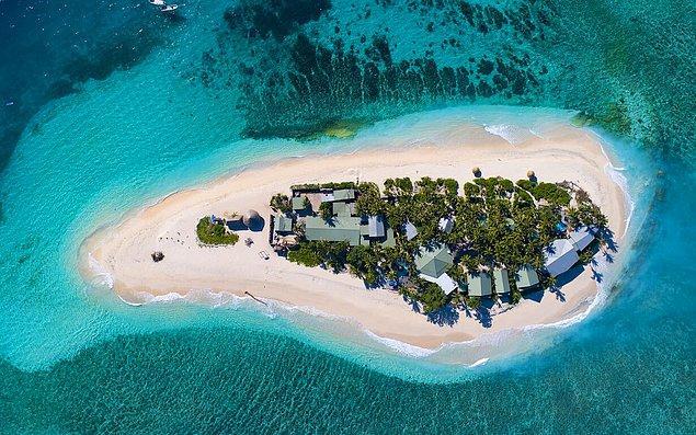Diğer kaynaklara göre de Page Mamanuca takımadalarından biri olan Namotu Adası'nı satın almış olabilir.