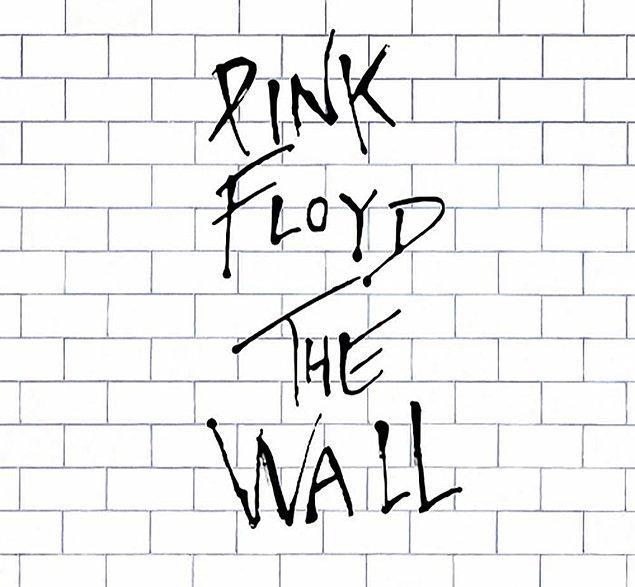 """31. 1995'te """"Duvar"""" olarak bilinen bir politika oluşturuldu. CIA ve FBI arasındaki bilgi paylaşımını durduran bu politika, 11 Eylül'ün durdurulamamasında kritik bir rol oynadı. Durum daha da kötüleşince ajanlar, Pink Floyd'un """"Another Brick"""" CD'sini çalarak telefona erişimlerinin reddedildiğini söylediler."""