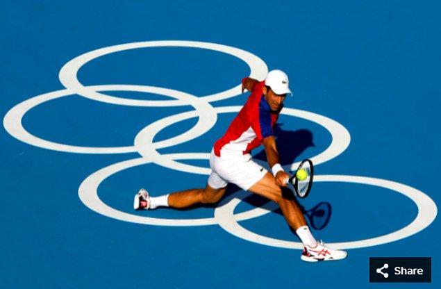 28. 24 Temmuz 2021'de Ariake Tenis Parkı'ndaki Tokyo 2020 Olimpiyatları'nda bireysel erkekler birinci tur maçından Sırp sporcu Novak Djokovic.