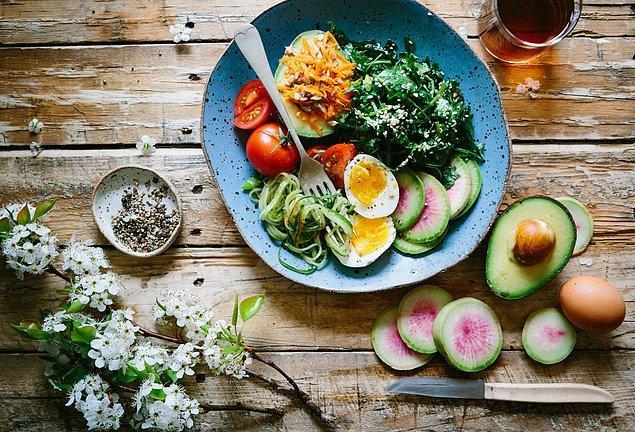 8. Kilo verme sürecinde ne yediğinizde çok önemli.
