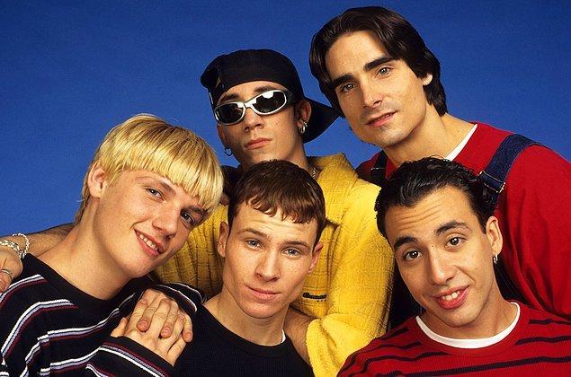9. Backstreet Boys üyeleri kariyerlerinin ilk yıllarında söyledikleri bir şarkıdan utanç duyuyorlar.