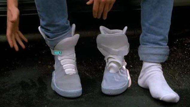 5. Otomatik Bağcıklı Ayakkabılar