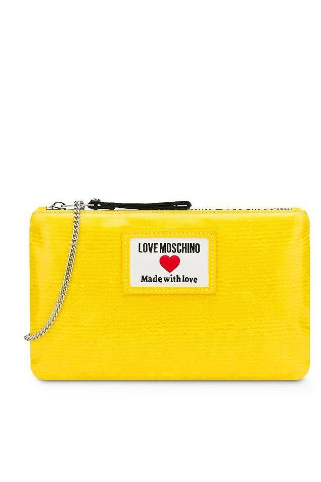 14. Love Moschino zincirli askılı çanta, rengarenk çantalardan hoşlananların tercihi...