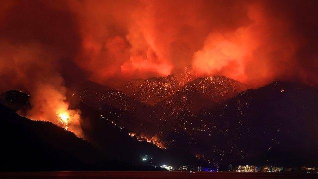 Türkiye iki gündür alev alev yanıyor. Manavgat'la başlayan yangın haberleri, Marmaris'ten gelen büyük bir yangınla daha da acı bir tablo haline dönüştü.