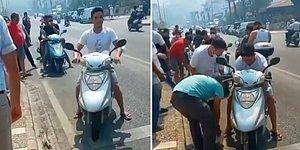 Tüm Türkiye El Ele: Yangın Söndürme Çalışmalarına Katılan İnsanlara Motosikletleri ile Su Taşıyan Vatandaşlar