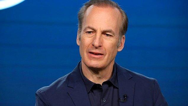 6. Bob Odenkirk, Better Call Saul dizisinin setinde fenalaşarak hastaneye kaldırıldı.