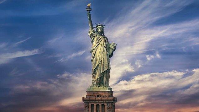 5. Dünyanın en ünlü anıtlarından biri olan Özgürlük Heykelini 1886 yılında ABD'ye hediye eden ülke hangisidir?