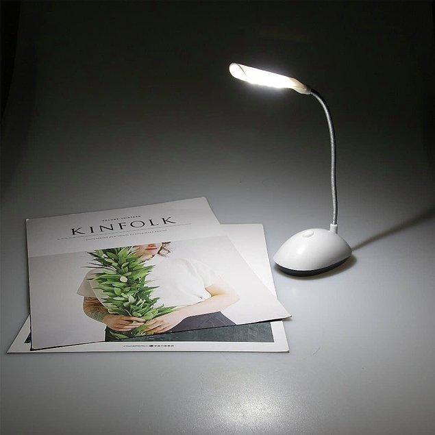 6. Bükülebilir masa lambası akşamları kitap okurken size eşlik edebilir...