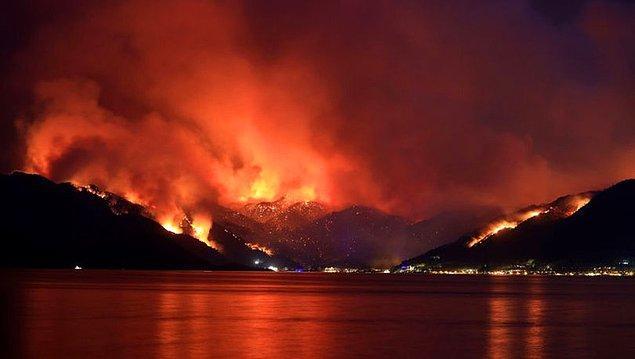 Türkiye günlerdir alev alev yanıyor. Manavgat'tan sonraki en büyük yangın Marmaris'te başladı, hala daha söndürülebilmiş değil. Halk kendi imkanlarıyla organize olup ekiplerle birlikte yangını söndürmek için canla başla çalışıyor.