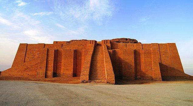 8. Ur Zigguratı/ Irak