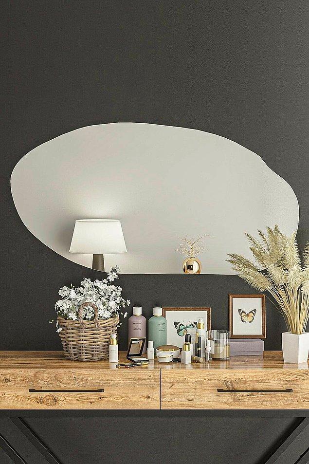 8. Bir evin en kullanışlı dekorasyon ürünü kuşkusuz aynalar.