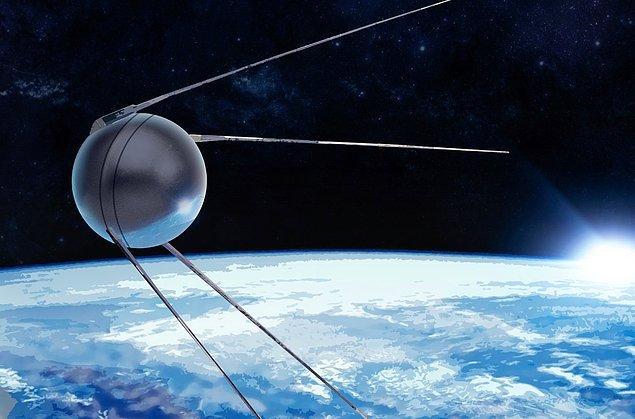 Mesela uydular orman yangınları ile mücadelede önemli teknolojilerden biriyken Ruslar uzaya Sputnik uydusunu çoktan yolladı.