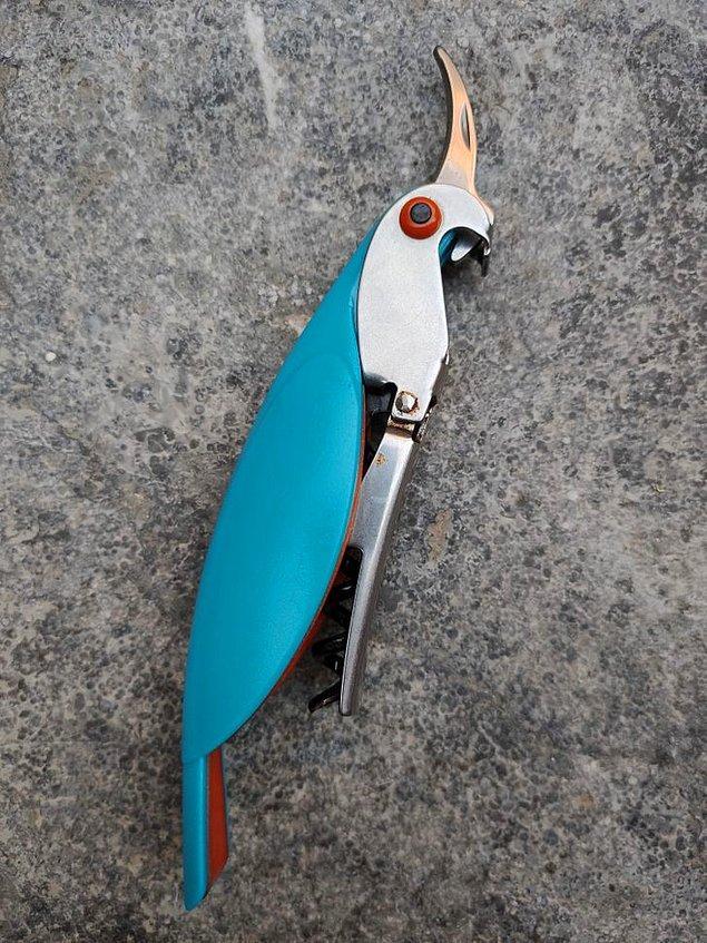 16. Bu papağan şeklinde yapılmış açacak.