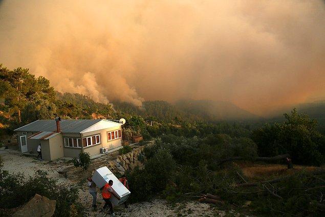10:42 Manavgat'ta enerji santrali yangının arasında kaldı