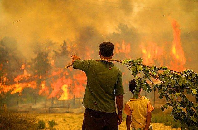 Yerli halk yangının söndürülmesi için yardım bekliyor. Uçak konusundaki sıkıntılarımız hepinizin malumu zaten...