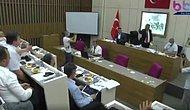 Bolu Belediye Başkanı Tanju Özcan, Meclis Toplantısında AKP'li Meclis Üyelerine Çay Fırlattı