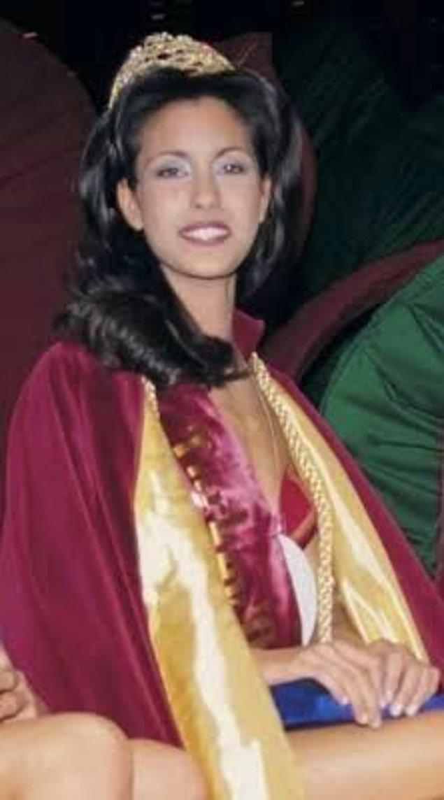 Sene 1997. Merakla beklenen yarışma Miss Turkey geldi çattı. Çağla Şıkel ise o yıl Miss Turkey'e katılan güzellerimizden biri.
