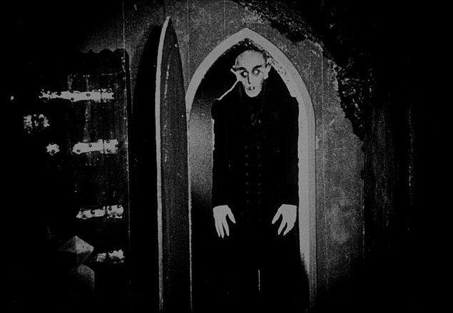 7. Nosferatu (1922)