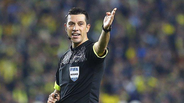 Süper Lig'de ilk hafta maçlarını yönetecek hakemler açıklandı.