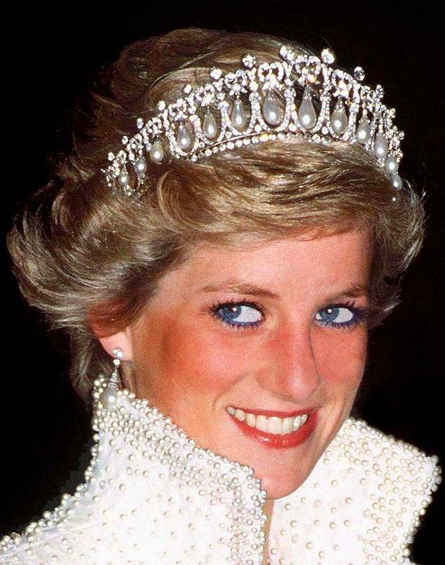 14. Prenses Diana'nın tacı.