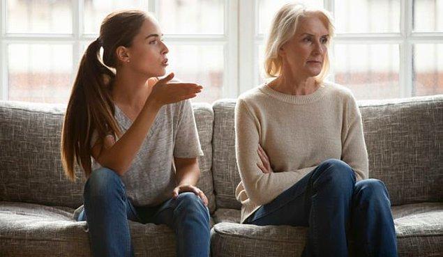 Toksik bir ebeveyn, yaptığı davranışın zarar verici olup olmadığından çok, kendi ihtiyaçlarıyla ilgilenir. Özür dilemeyip hata yaptıklarını kabul etmeyecekler ve davranışları devamlı olarak tekrarlamaya eğilimli olacaklardır.