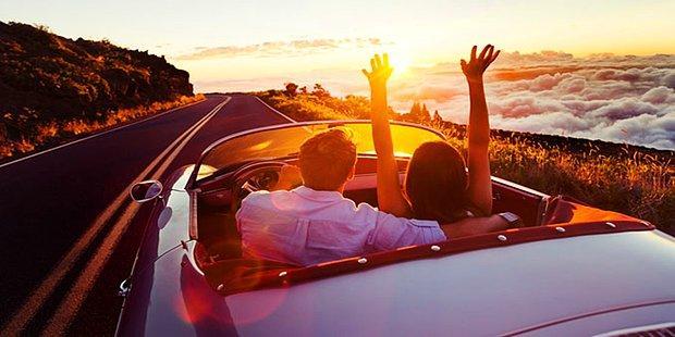 Rüzgar Saçlarınızı Sıyırıp Geçerken Yolda Dinleyebileceğiniz En İyi 15 Road Trip Şarkısı