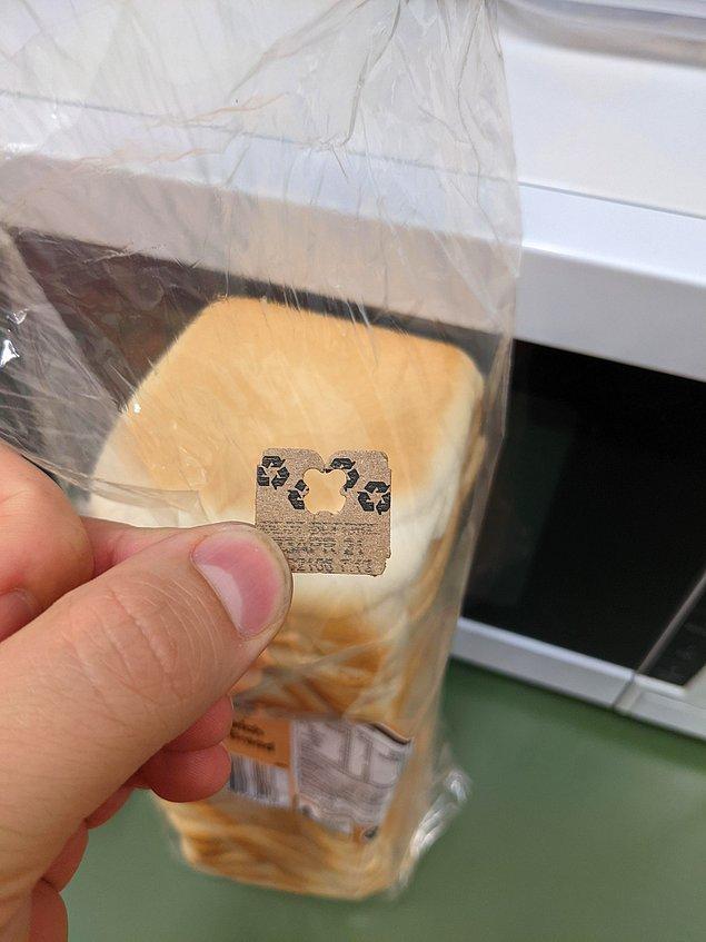 12. Ekmek poşetlerini kapatmaya yarayan küçük plastik aparatı kartondan yapmak, doğayı korumak için küçük ama etkili bir adım: