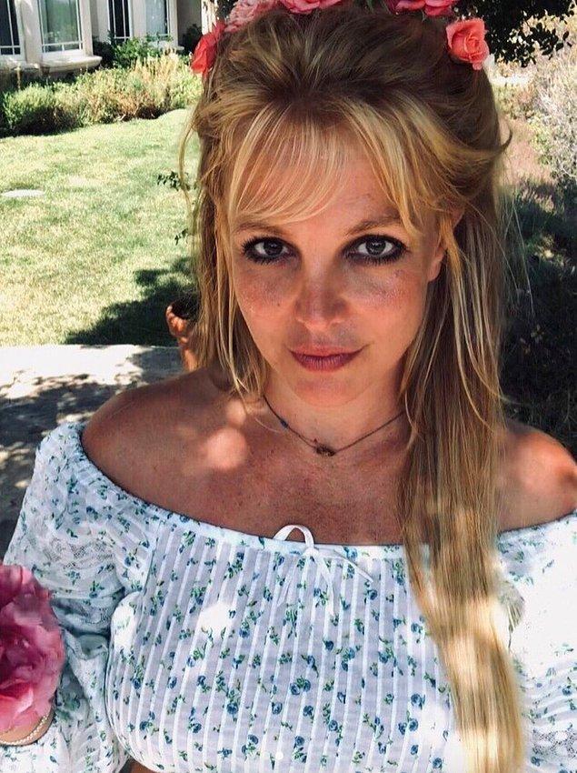 8. Britney Spears'ın babasının vasilik hakkını bırakmak için 2 milyon dolar istediği iddia edildi!