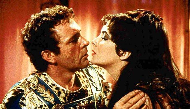1. Elizabeth Taylor ve Richard Burton - Kleopatra (1963)