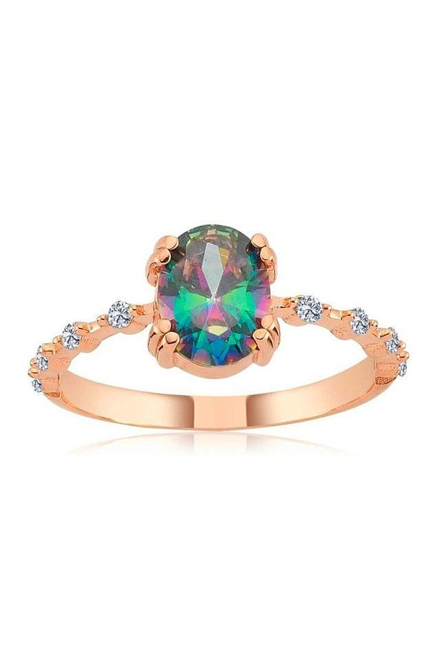 12. Bu gümüş yüzüğün çok ağır ve şık bir havası var.
