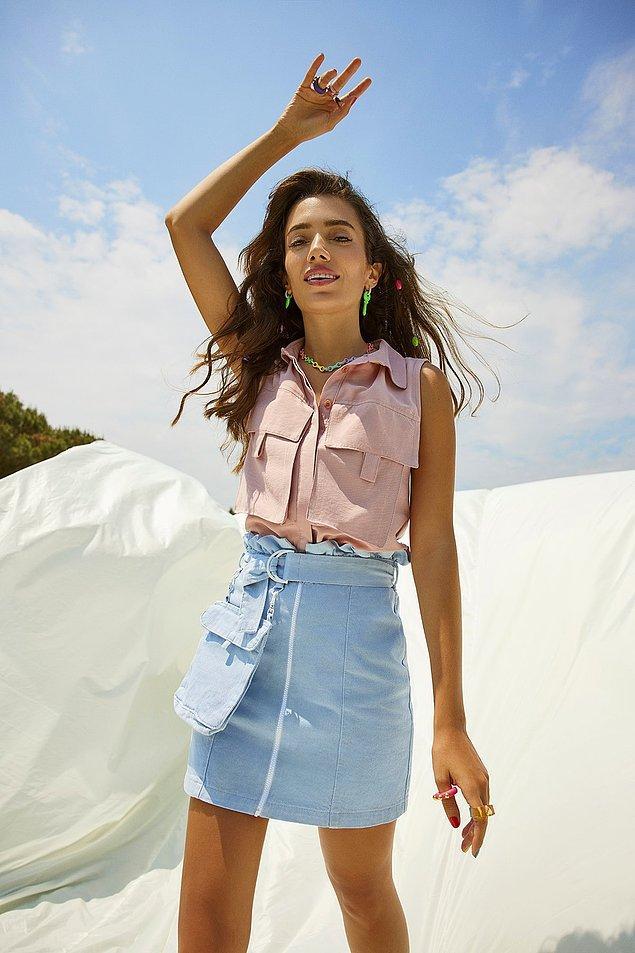 Kemer detaylı etekler, dikdörtgen vücut tipine sahip kadınlar için en ideal etek modelleri arasında yer alıyor.